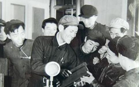 """【新中国的""""第一""""·70年】第一根重型钢轨在鞍钢诞生"""