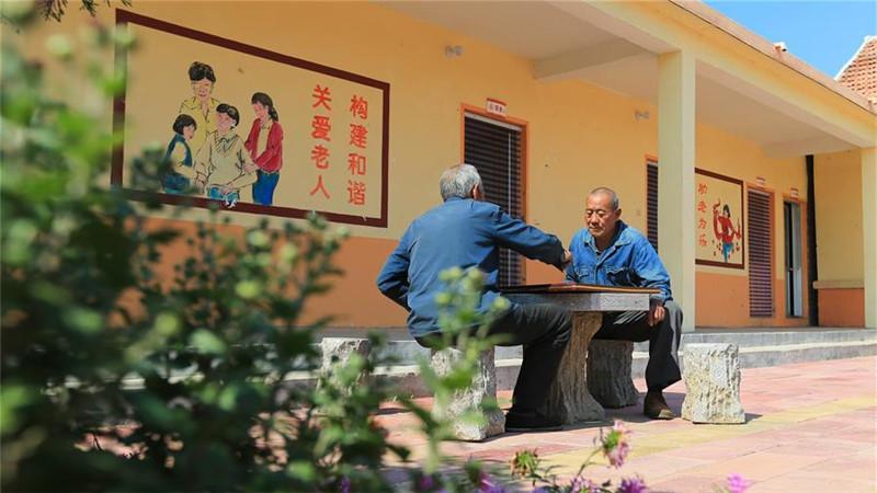 习近平的小康故事 让老年人都能有幸福美满晚年